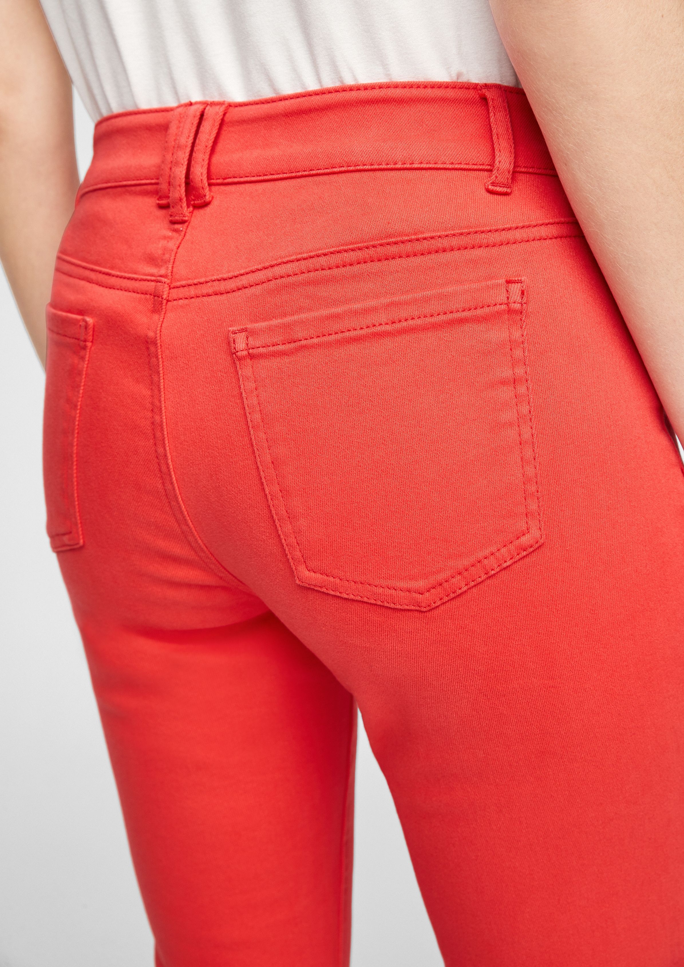 Comma Stretchjeans rot