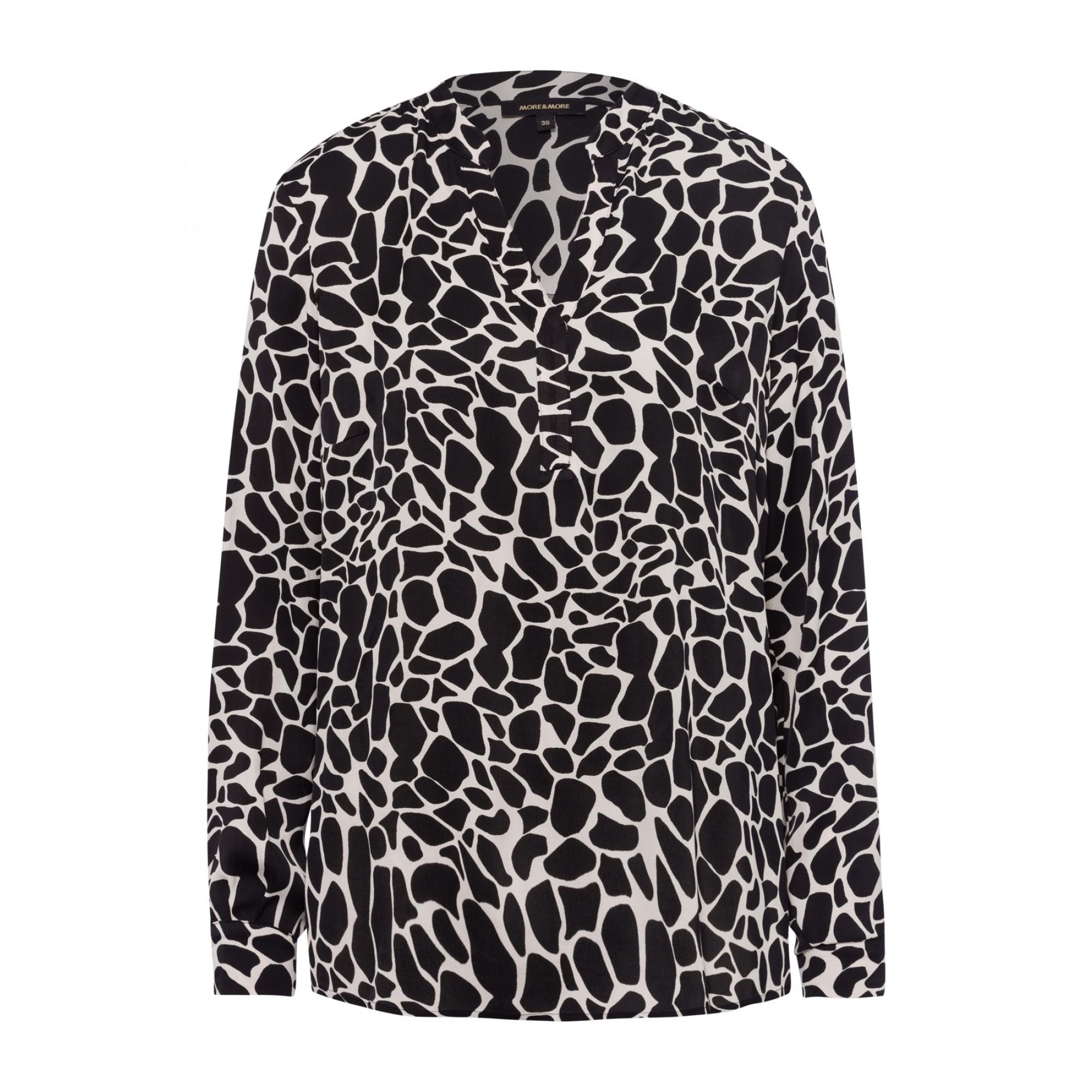 More & More Satinbluse mit Giraffenmuster schwarz